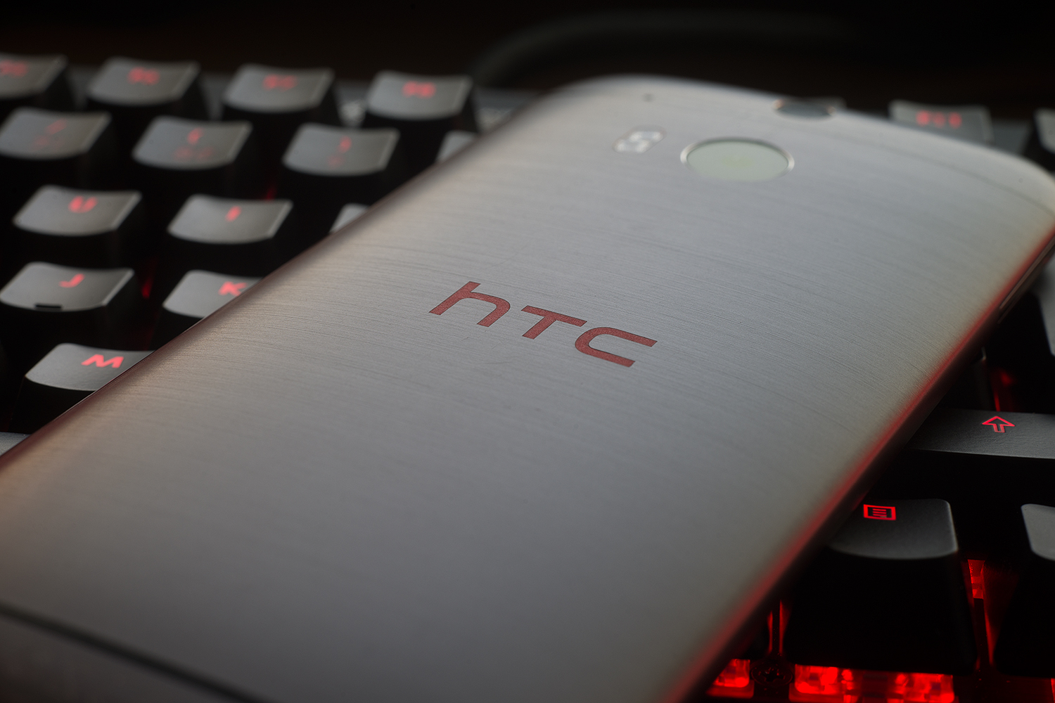 HTC One M10: Is It Worthy Of Its Price Tag